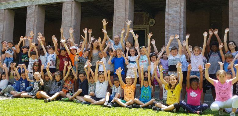 Gruppo di giovani dell'oratorio della parrocchia di san Saba a Roma