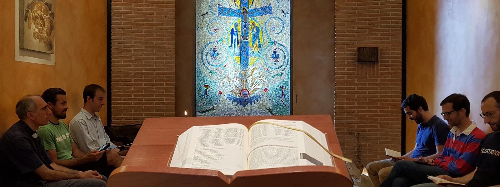 Momento di preghiera della comunità dei gesuiti di san Saba a Roma